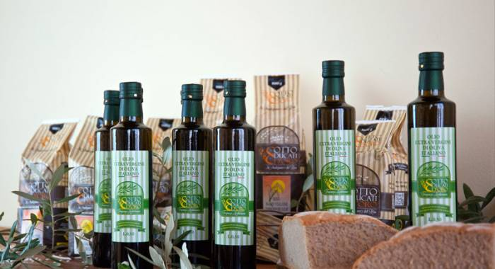 How to recognize a good oil: try the extra vergin olive oil Otto Ducati d'Oro we produce