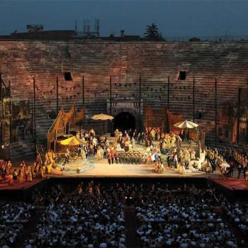 Opens the curtain for the opera season with the shows at the Arena in 2016 and beyond