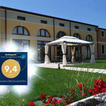 Otto ducati d'Oro gets the Guest Review Award 2018 from Booking