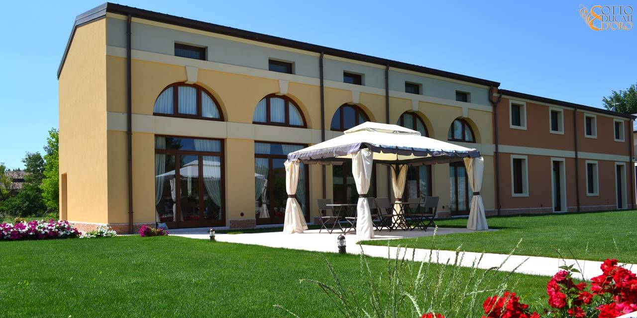 Giardino del relais per business travel  in provincia di Verona