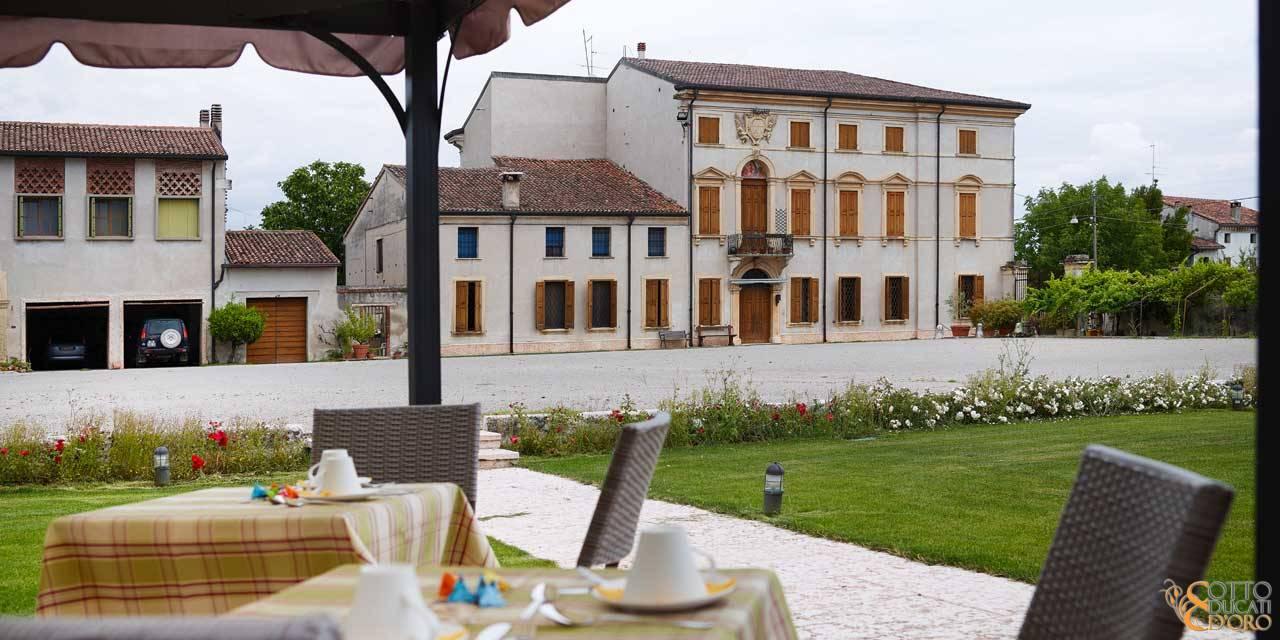 Vista dal Relais Otto Ducati d'Oro di Corte Emilei