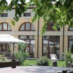 Overnight accommodation in Verona for business trips a hotel with garden