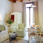 Relais with breakfast nook and access to the garden