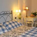 COuntry hotel b&b in Verona and surroundings with room featuring a desk and internet connection included