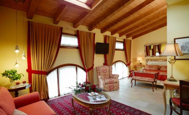 Orgoglio: ampia suite con cabina armadio, salotto ed angolo scrivania